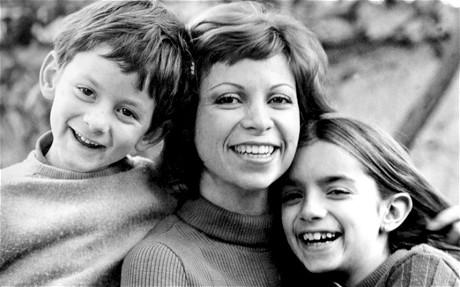 Isabel y sus hijos